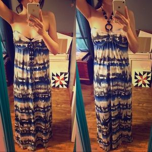 Dresses & Skirts - Abstract Beach Maxi Dress